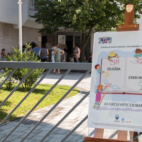 """Najmlađi učesnici """"Mostarskog ljeta"""" izložili svoje radove"""