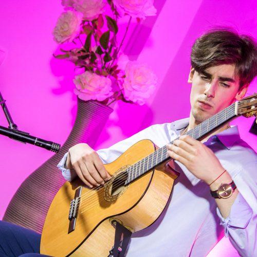 Adrian Tarčuki održao prvi solistički koncert u okviru Mostarskog ljeta